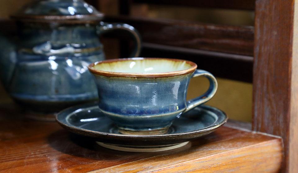 森山窯・瑠璃色の紅茶碗皿